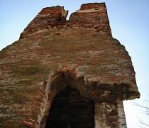 A 800 éves hetyei templomromról
